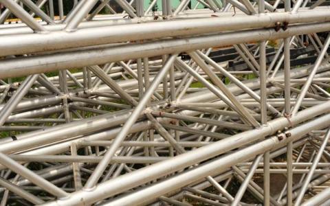 Fabricación de tubos de metal para uso industrial